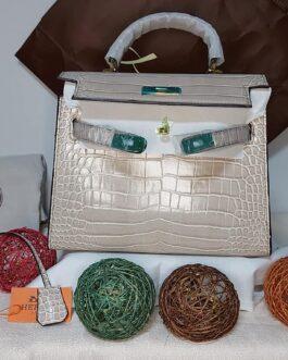 Hermes Birkin Bag (Beige)